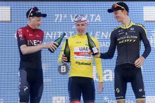 Jakobsen beats Groenwegen to win final sprint in Valencia