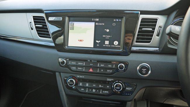 تفاصيل السيارة الكهربائية الجديدة (2019) Kia e-Niro 8