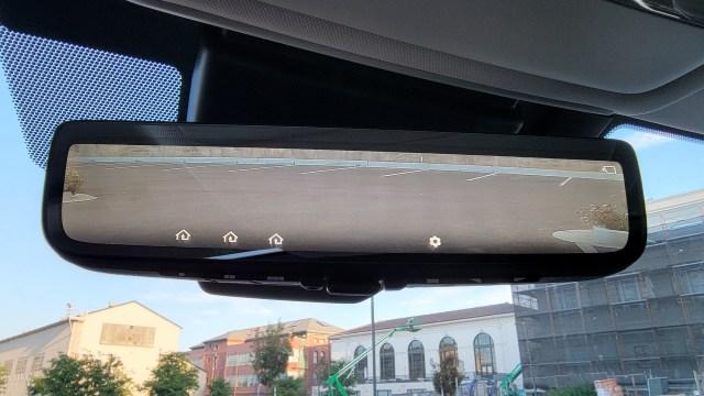 Rear view mirror in the Toyota Mirai (2021)