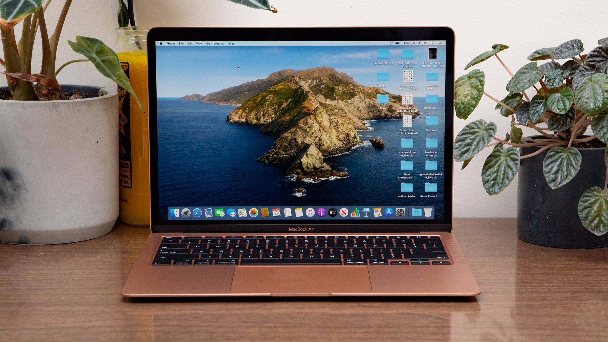 MacBook Air vs Pro: Display