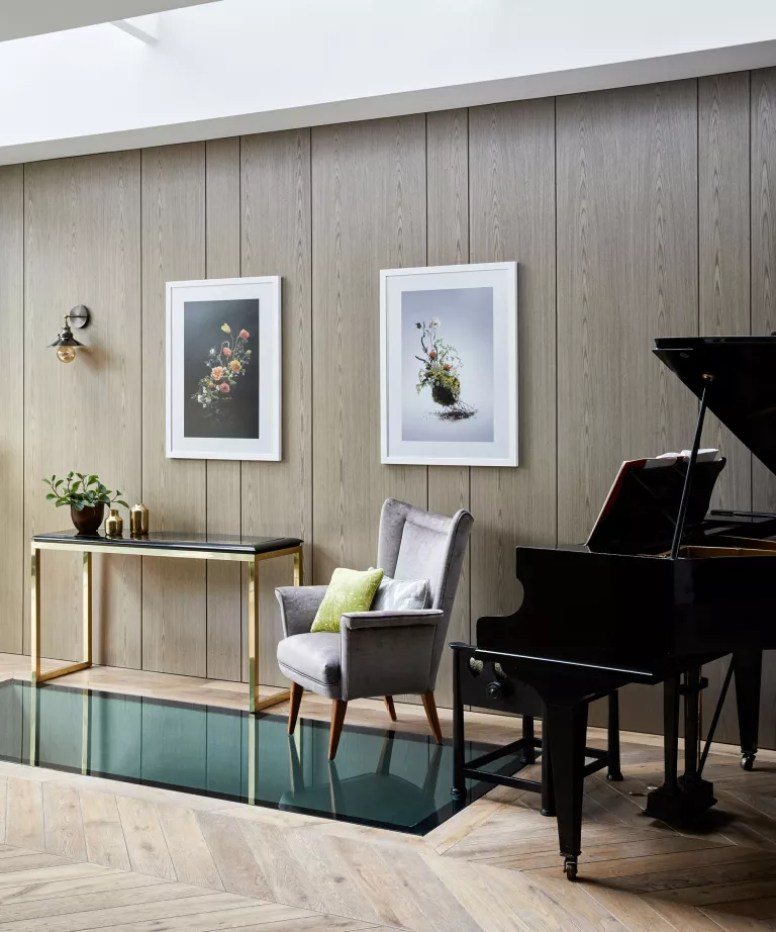 Mid-century modern room with wall panelling