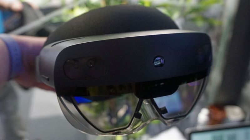 HoloLens 2 release date confirmed for next month