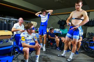 Deceuninck-QuickStep get ready to ride