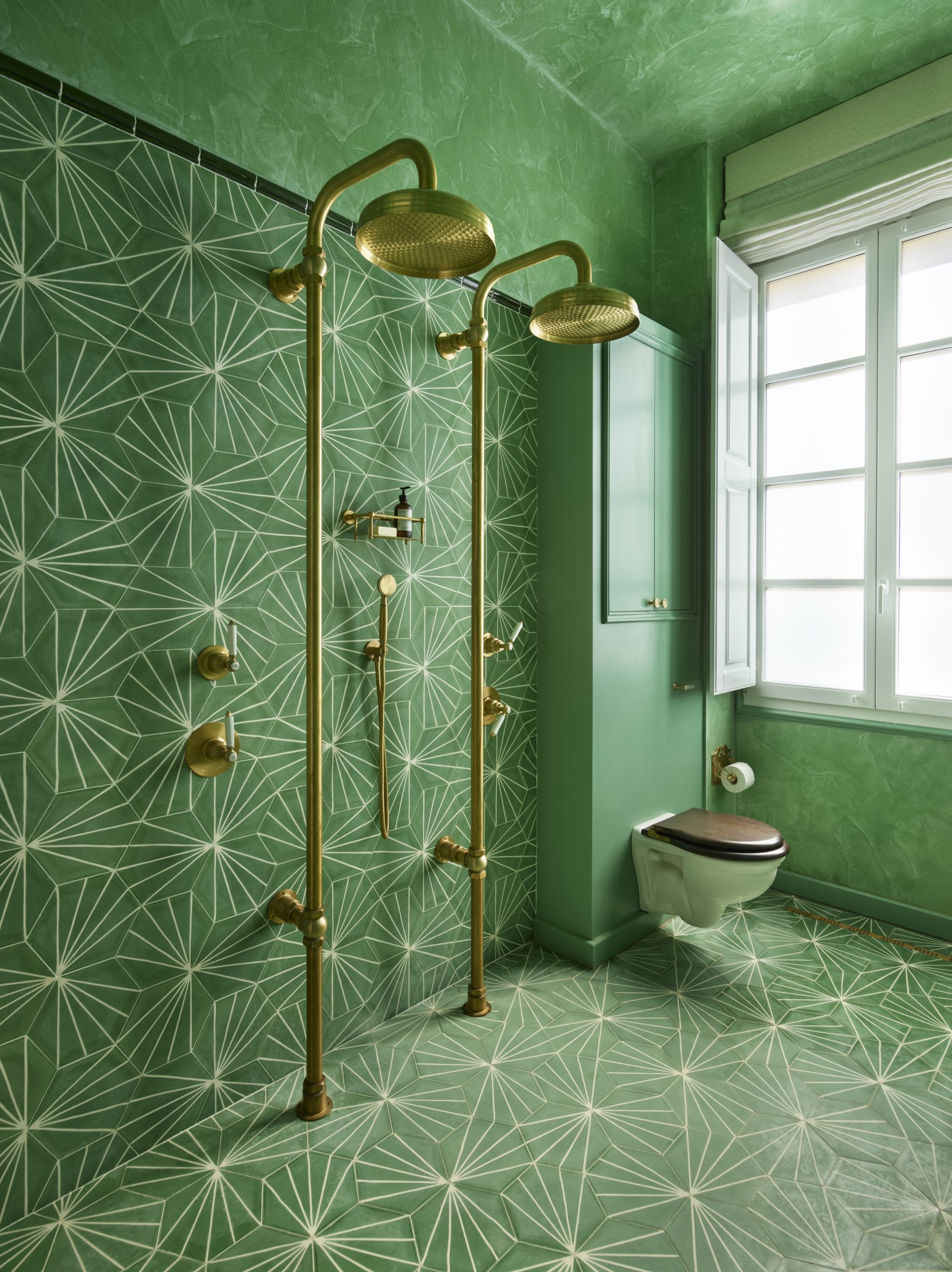 Cool Bathroom Tile Ideas From Metro Tiles To Fish Scale Herringbone Livingetc