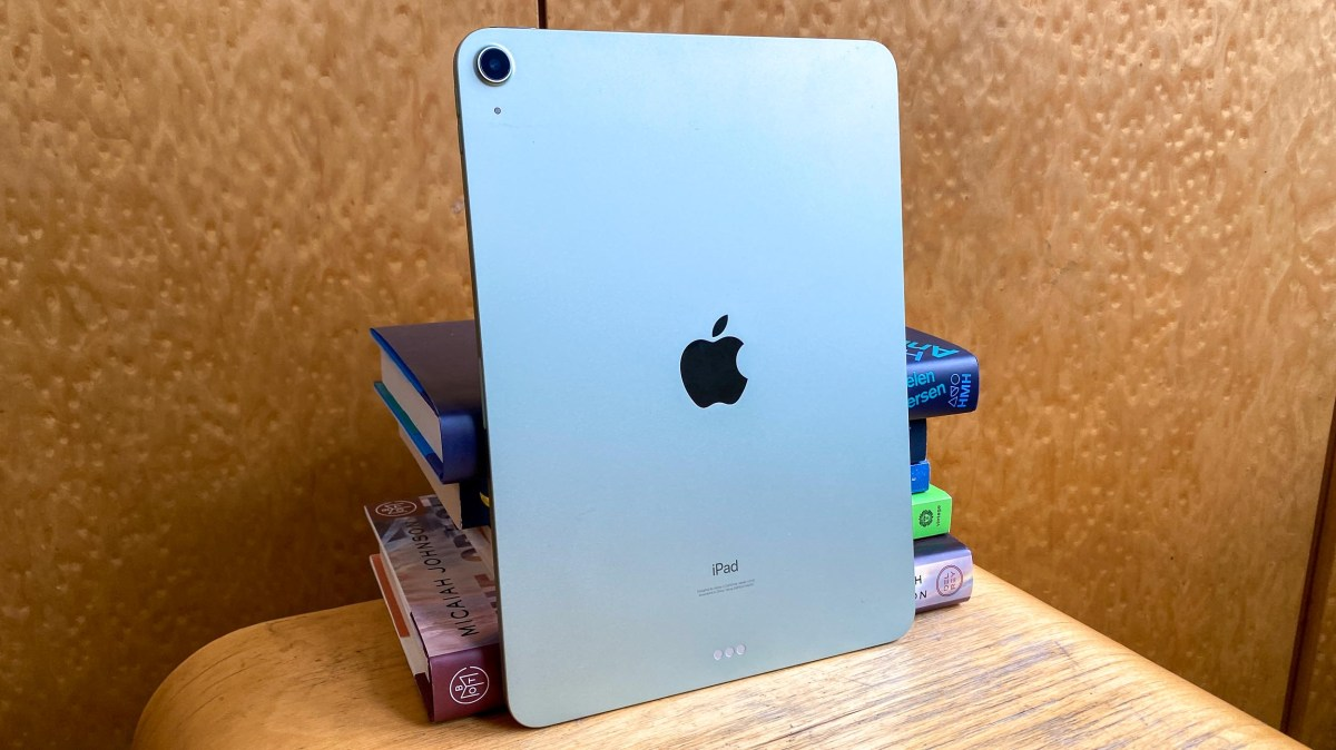 iPad Air (2020) review from behind
