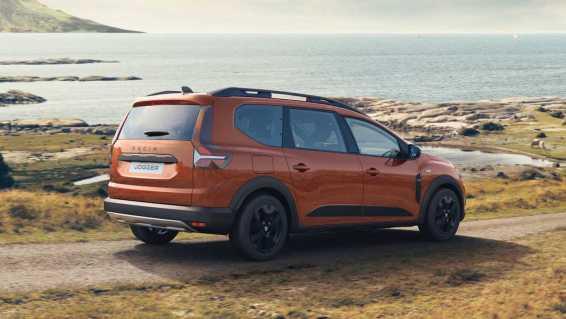 Dacia Jogger Debuts As Spacious Seven-Seat Crossover-Van Mashup
