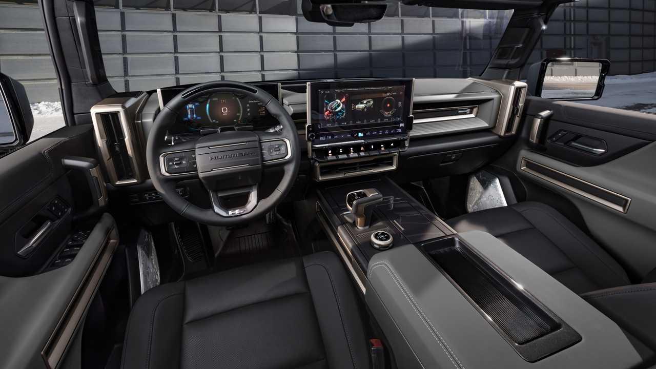 Interior del SUV GMC Hummer EV 2024