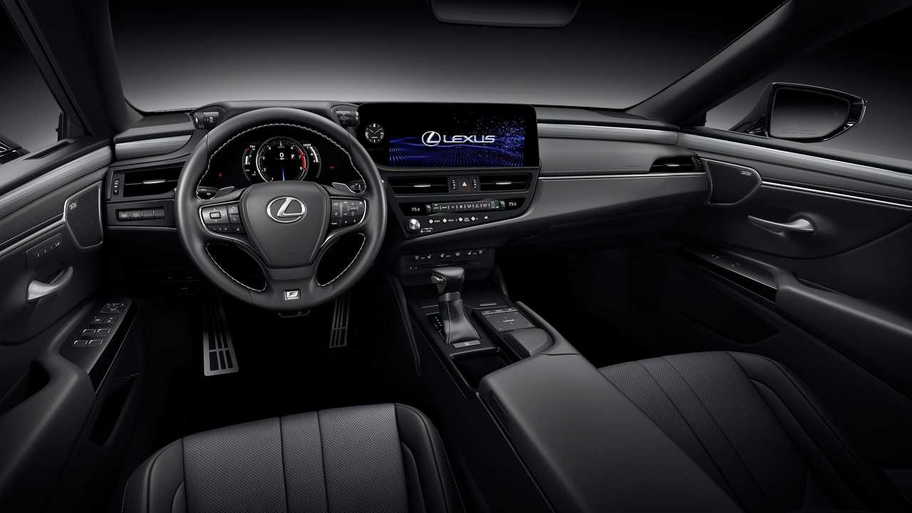 Lexus ES 2022 dashboard