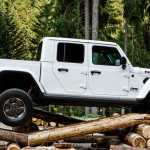 Jeep Gladiator Arrives In Europe With 260 Hp V6 Diesel Engine