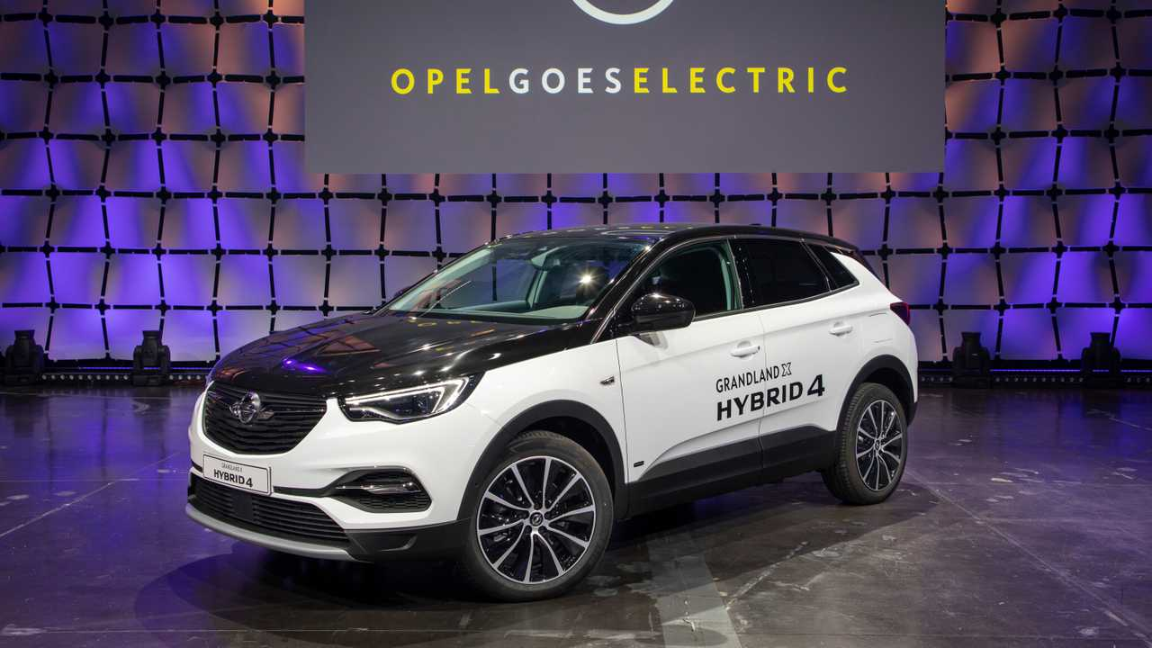 Opel Grandland X Hybrid4 Priced From 49 940 In Germany