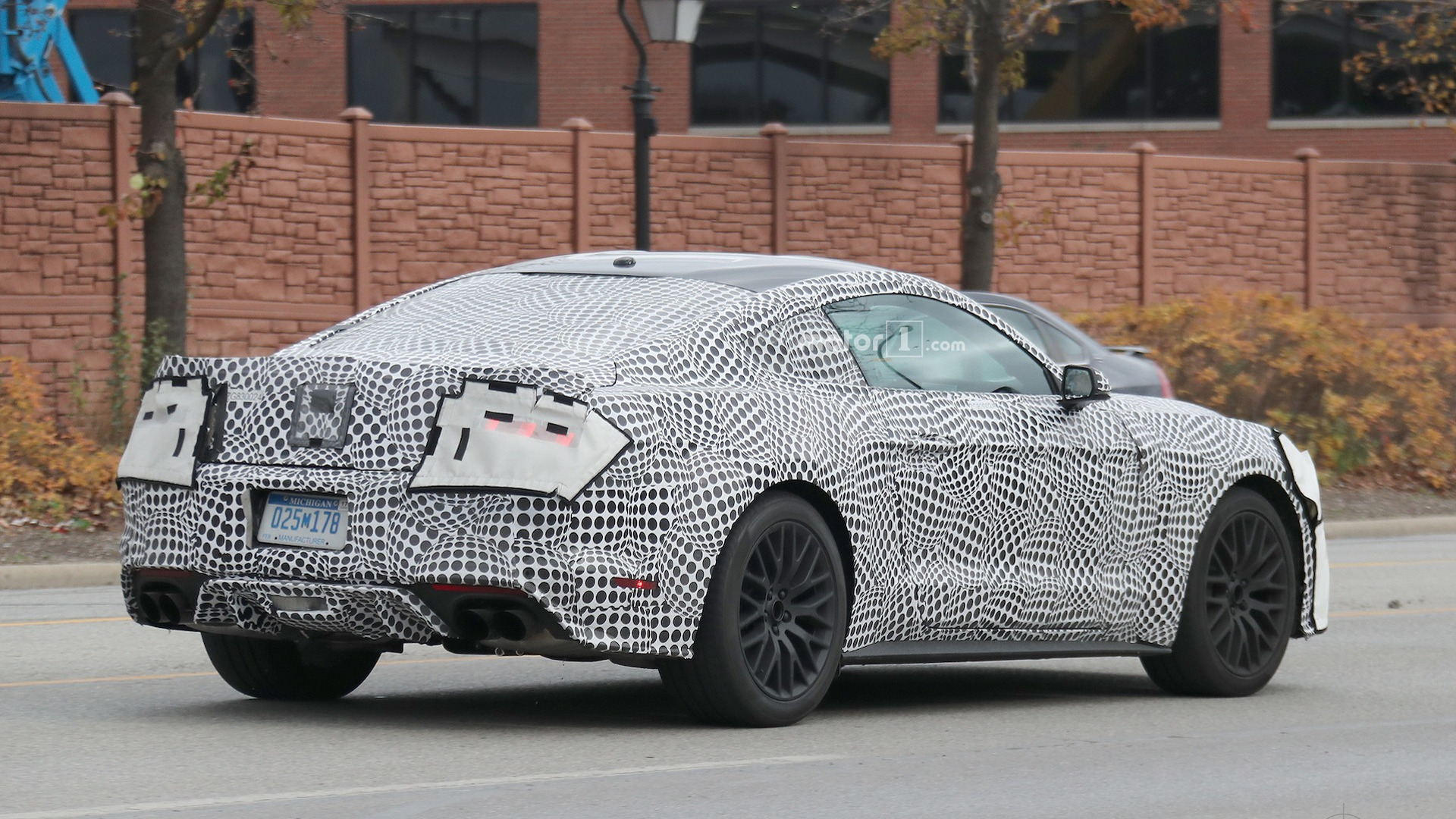 2018 mustang gt spied showing off