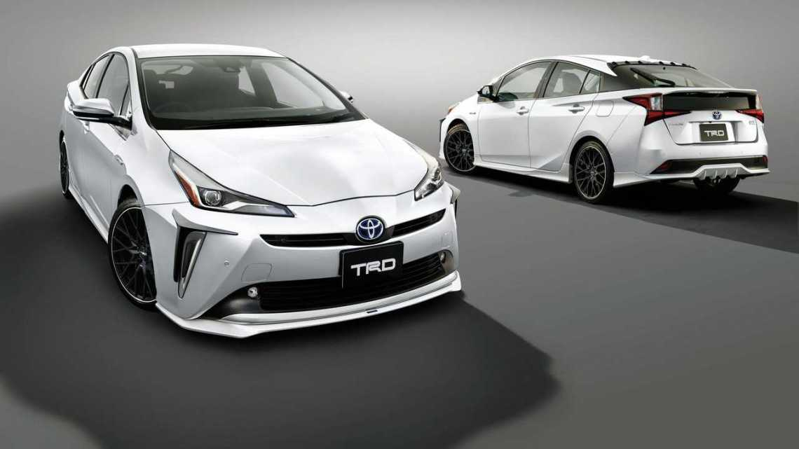 2019 toyota prius gets sporty makeover from trd