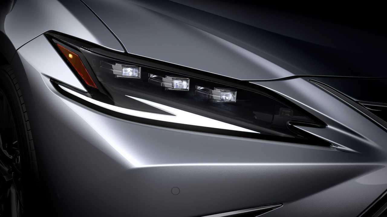 Lexus ES 2022 headlights