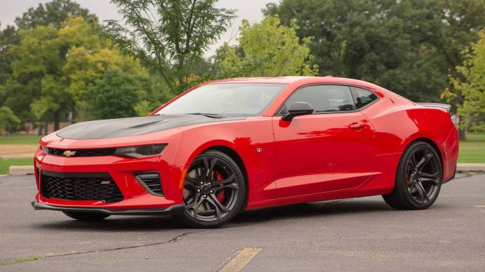 9 Reasons The Chevrolet Camaro 1le Is Our Favorite Muscle Car