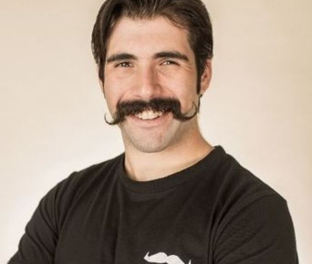 Mason Moore Hosting An Event For Movember