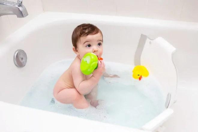 18 best baby bath tubs and alternatives