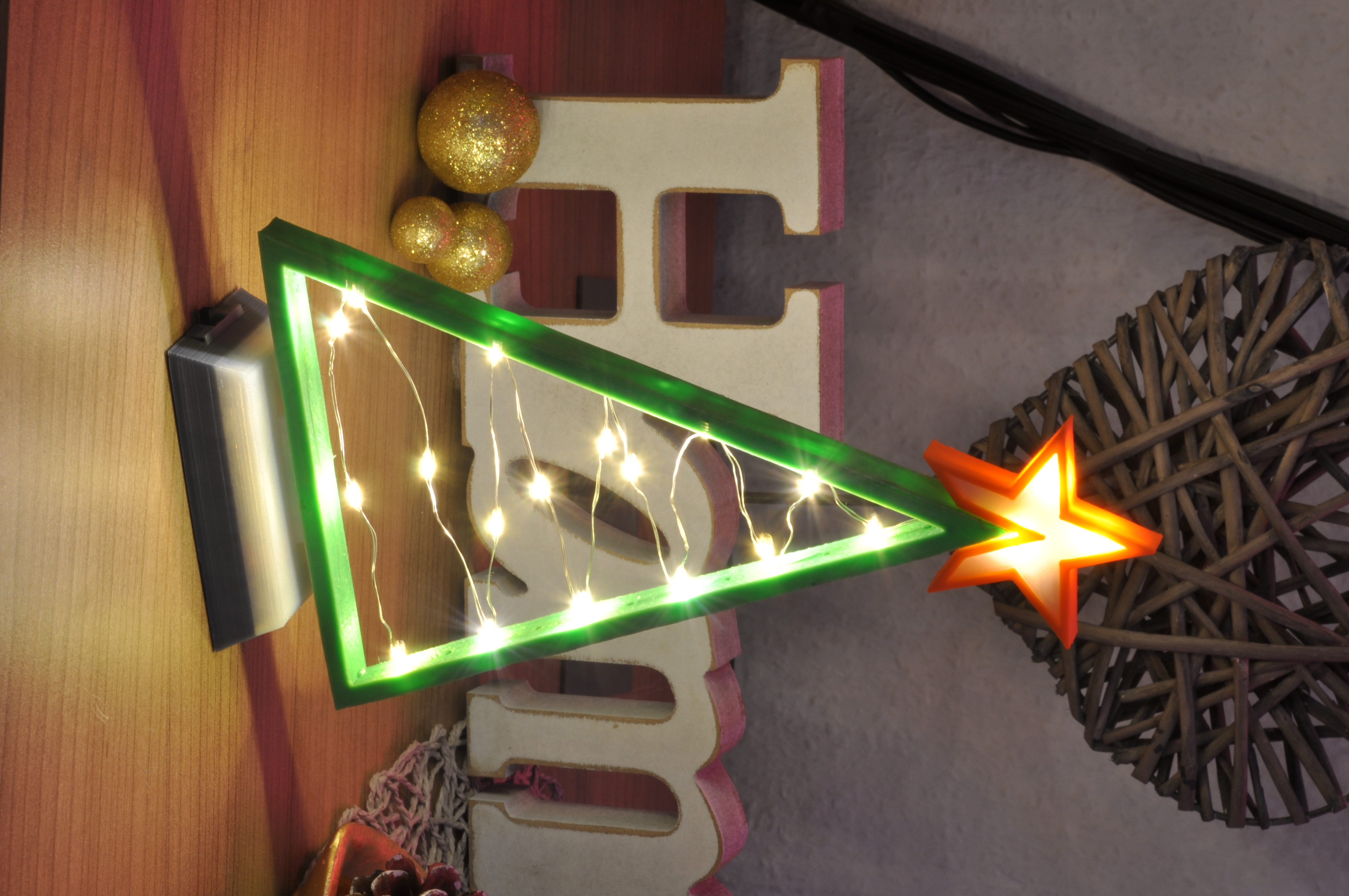 3d Printable Lighted Christmas Tree With Lighted Star By