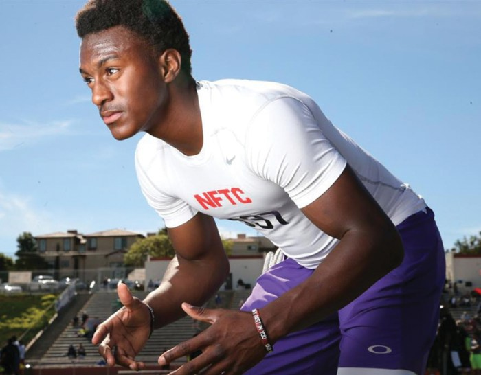 Class of 2015 cornerback Frank Buncom IV was one of a few recruits to receive offers from Notre Dame during the bye week, according to Irish recruiting anaylst Tom Loy.