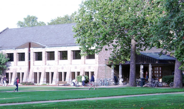 North Dining Hall undergoes its first renovations in 30 years, including a new entrance and lounge area.
