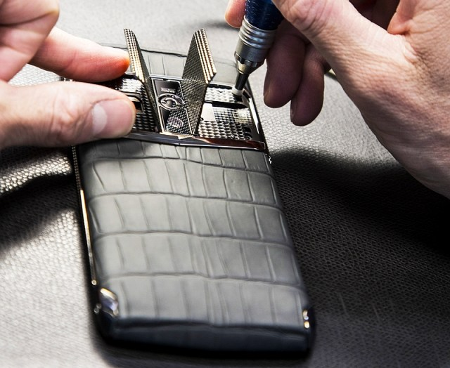 Vertu Signature Touch Is a Premium Smartphone With Top-End Specifications | Technology News