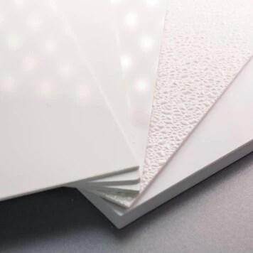 plaque pvc blanche 3 mm rigide et brillante pour renover vos murs