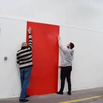 plaque pvc rouge 3 mm rigide et brillante pour renover vos murs