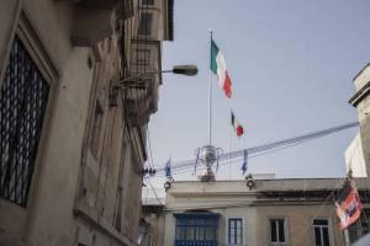 Italy-Flag-and-trophy-Hamrun