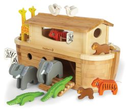 Giant Noah's Ark Playset with 14 Animals by EverEarth