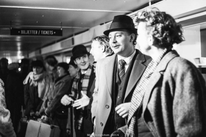 Passengers boarding the ship. (Play, Jonas Aronsson)