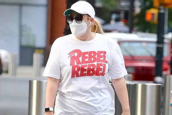 Rebel Wilson goes walking everyday