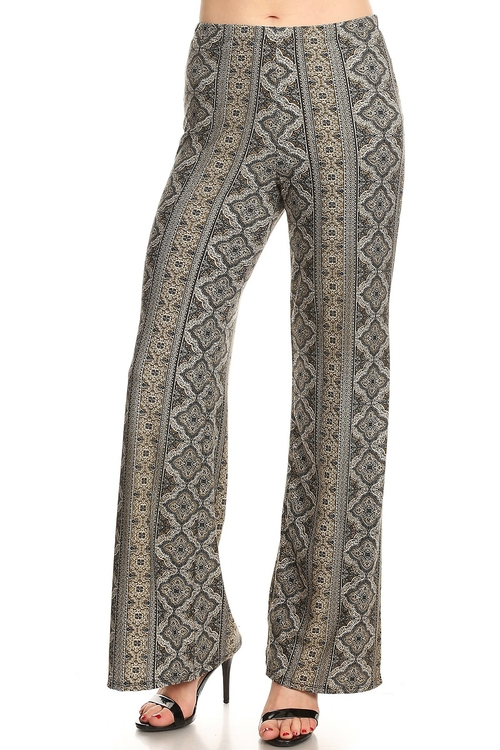 1117.Full length mid-rise pants, relaxed fit, back pockets, wide legs