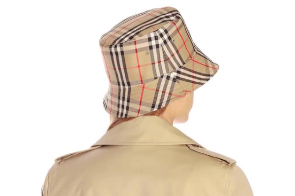 burberry hat: bucket hat