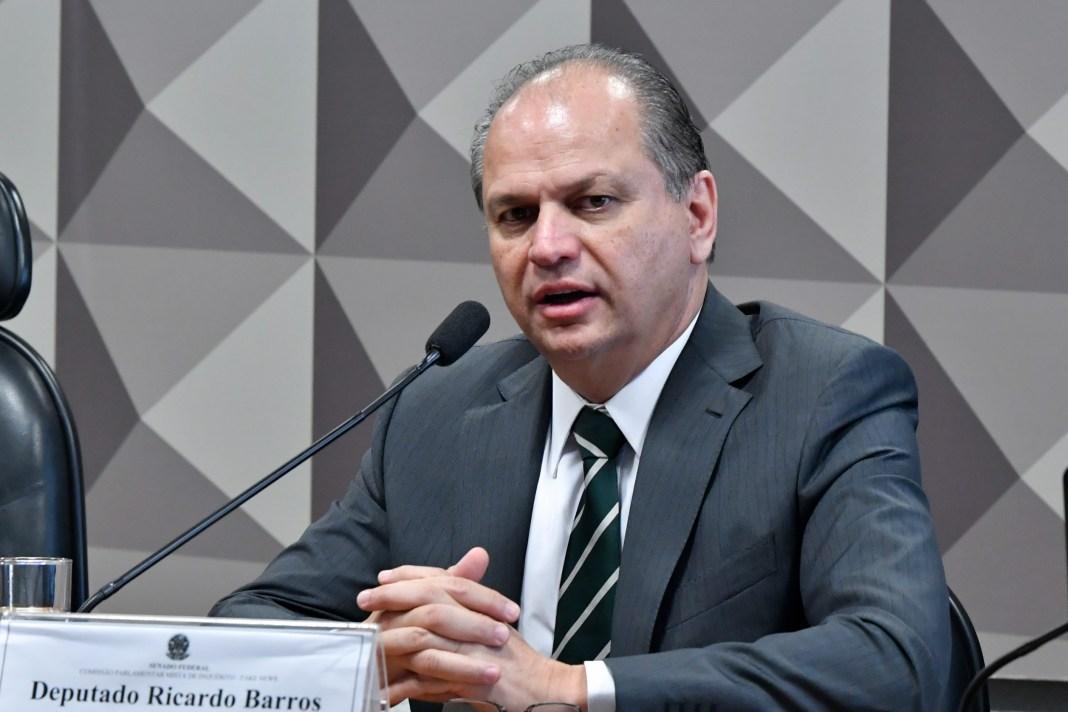 """""""É assim que funciona o Brasil"""", diz Barros sobre distribuição de cargos"""