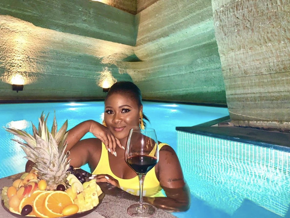 Actress Salma Mumin Shows P*nani In Underground Pool While On Vacation (Video)