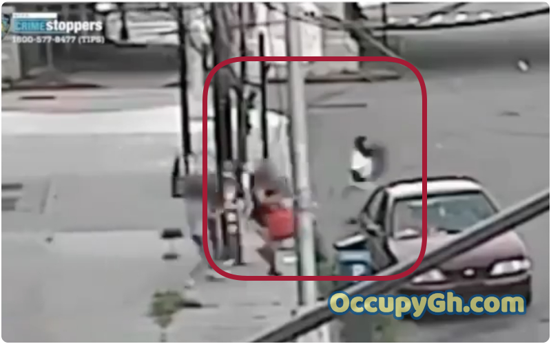 Woman Fights Kidnapper save Son