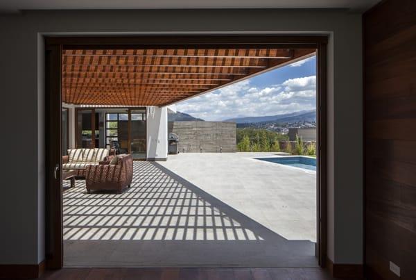 Striking Modern Dwelling In Ecuador Nr2 House