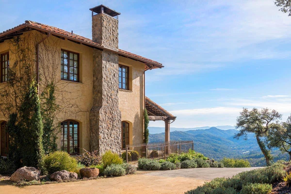 Breathtaking Tuscan Inspired Vacation Villa In Napa Valley