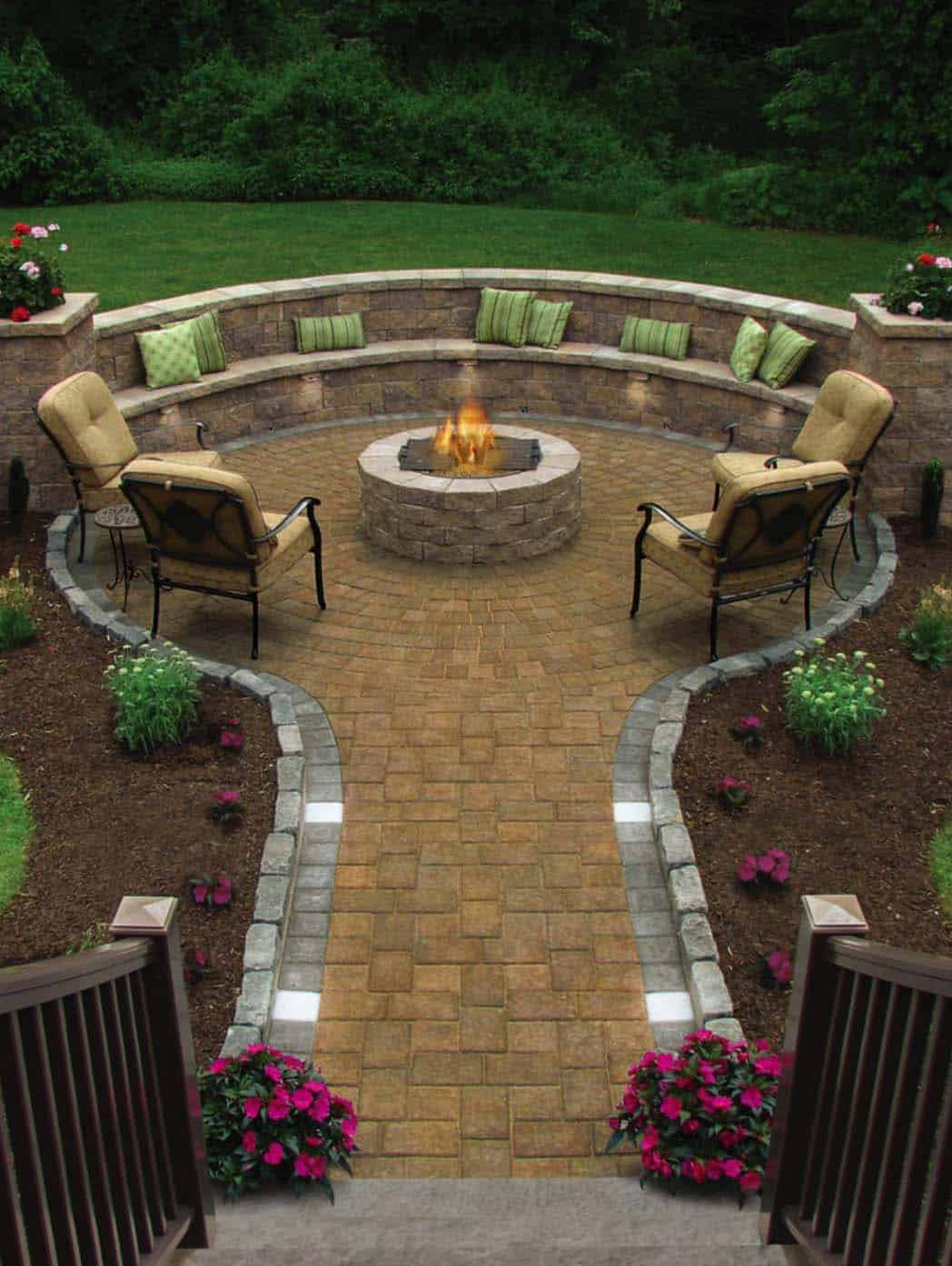 44 traditional outdoor patio designs to