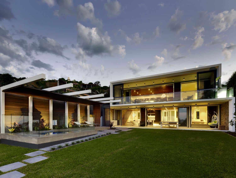A Fascinating Modern Concrete House On Wategos Beach