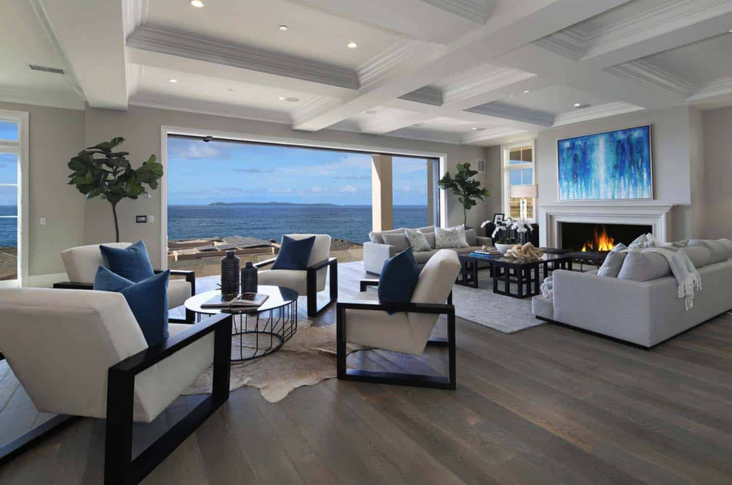 Southern California Beach House With A Fresh Take On Casual