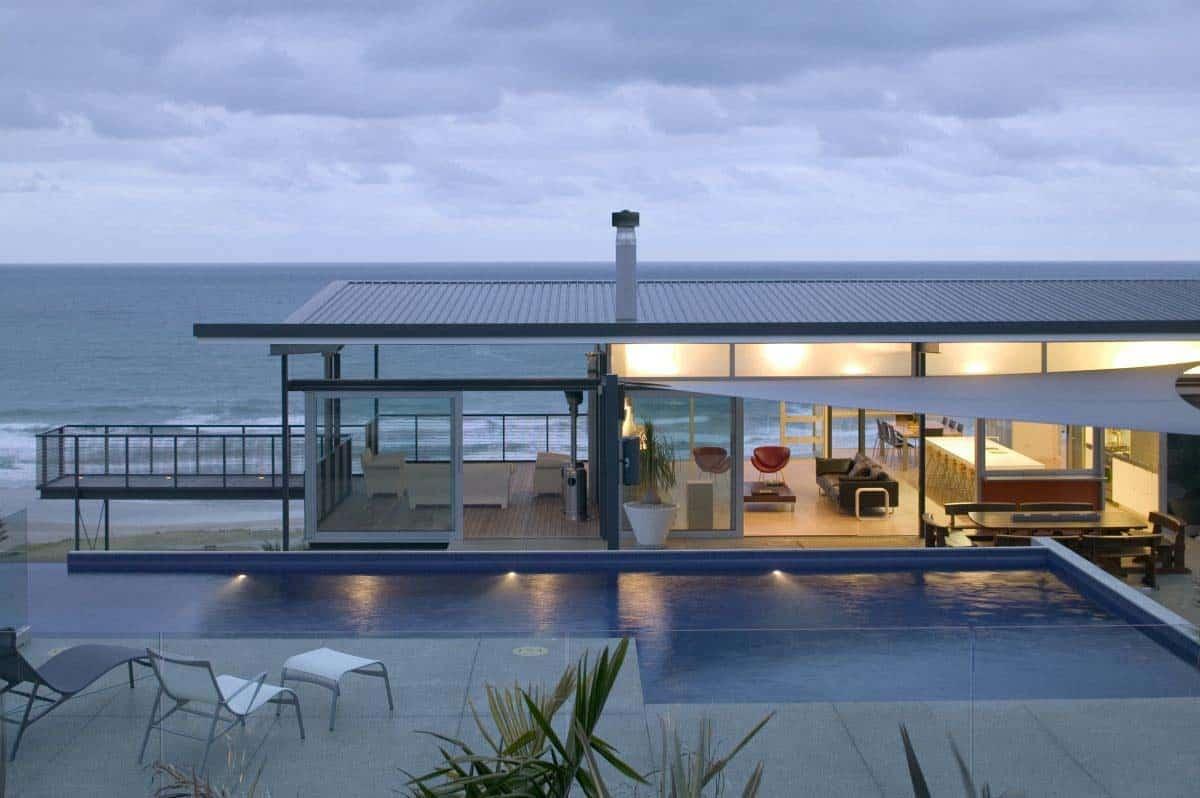 Best Kitchen Gallery: Modern Beach House In New Zealand Embraces Its Ocean Vistas of Modern Beach House on rachelxblog.com