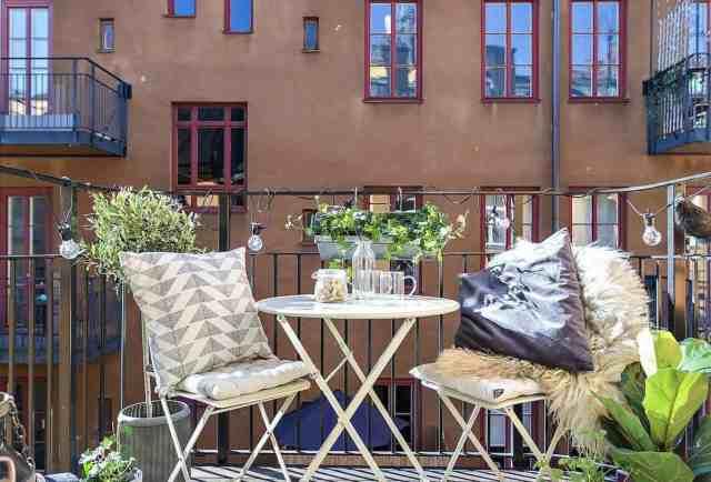 33 Incredibly Inspiring Scandinavian Style Outdoor Balcony Ideas