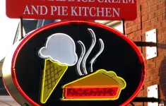 14+ Adorable Homemade Pie Kitchen That Can Increase Productivity
