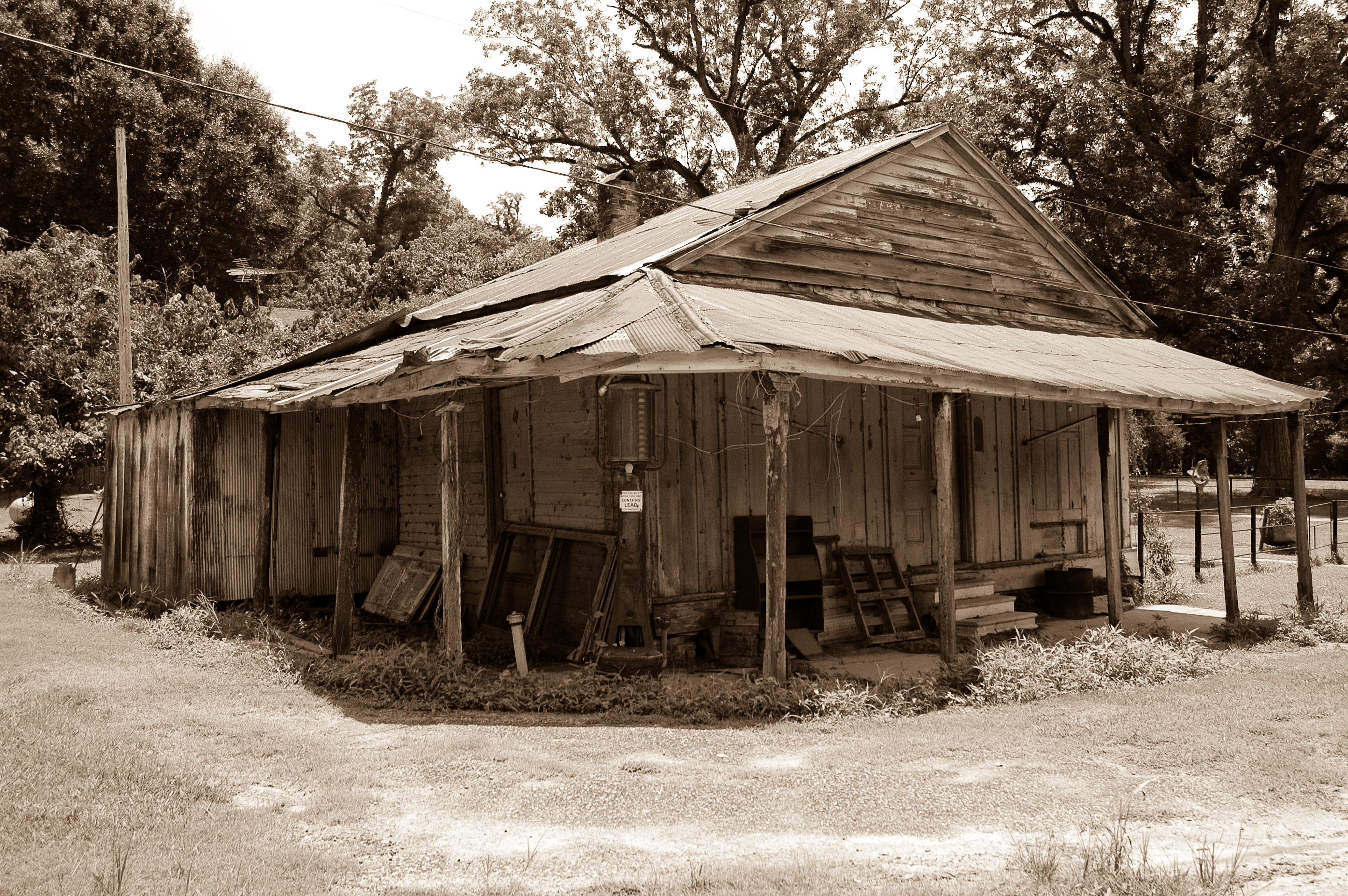 8 Eerie Ghost Towns In Mississippi