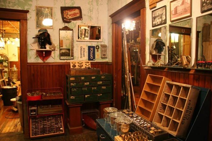 11 Amazing Antique Stores In Minnesota