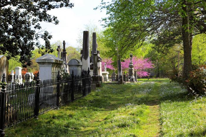 4. Arkansas: Mount Holly Cemetery, Little Rock