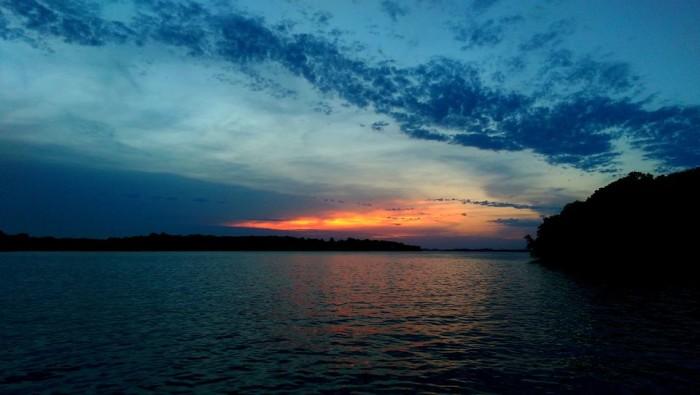 6 Gorgeous Lakes In South Dakota