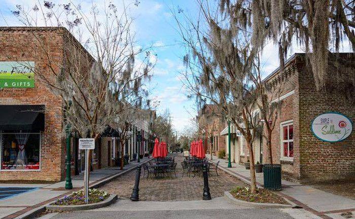 17 Perfect South Carolina Towns That Belong On A Postcard