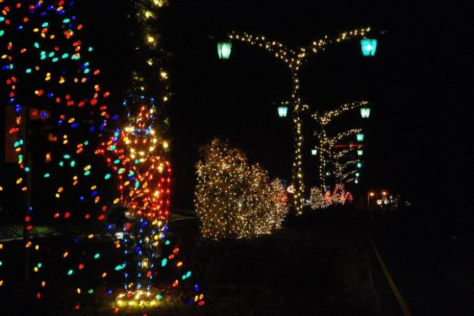 10 christmas light displays in louisiana that are pure magic
