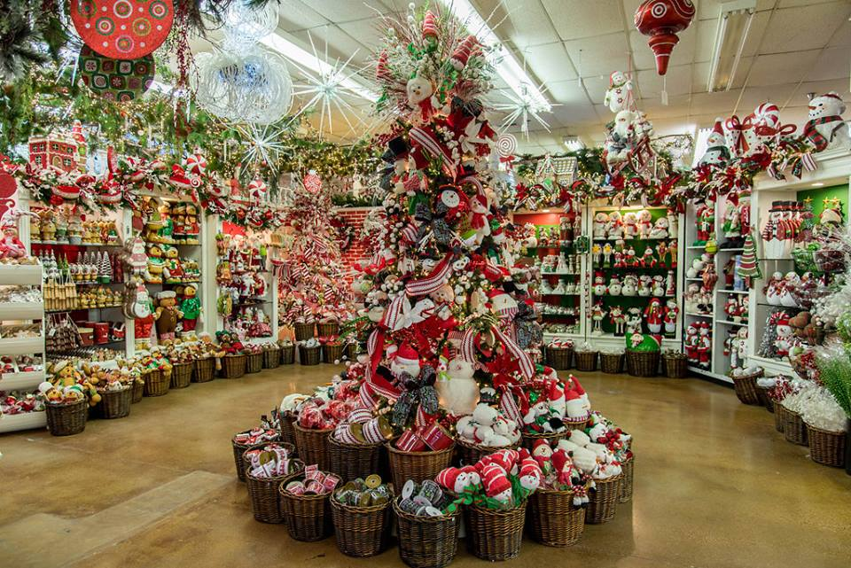 The Biggest And Best Christmas Store In Texas: Decorator's